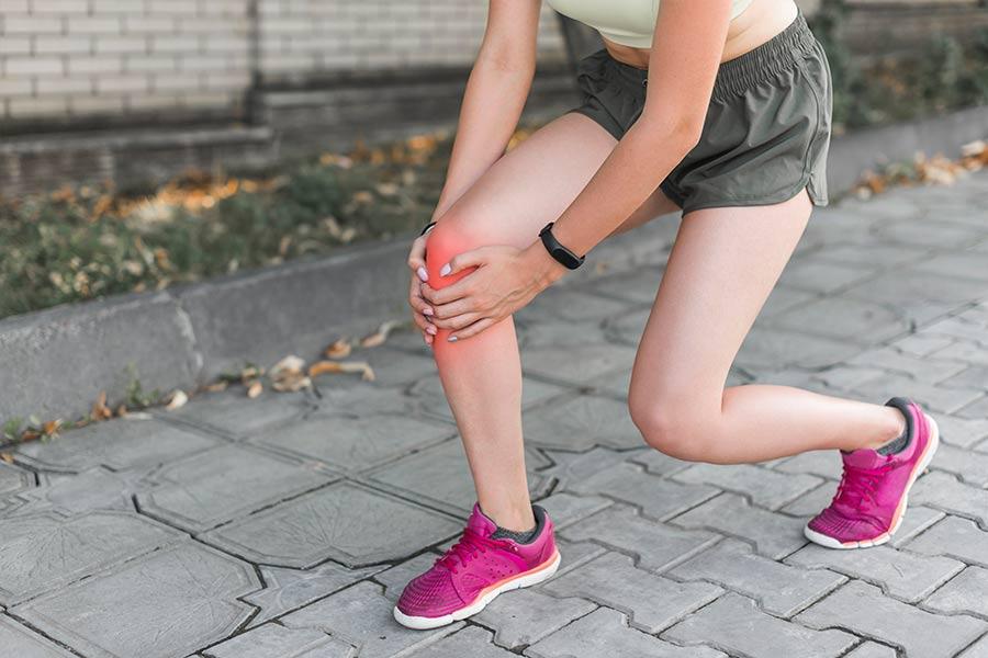 Sobrecarga-muscular-al-realizar-deporte