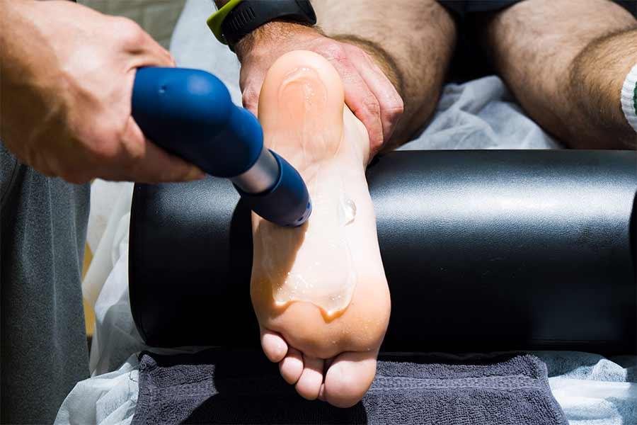 Cómo-me-puede-ayudar-la-fisioterapia-si-sufro-de-la-enfermedad-de-haglund